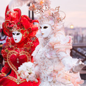 Тур до Італії з можливістю відвідування концерту Елтона Джона, Венеціанського карнавалу або шопінг-туру за 1799 грн (92 євро)