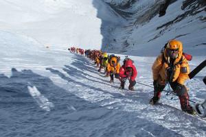 Эверест. В очереди за славой